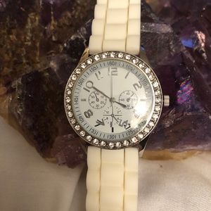 DARICE LADIES CRYSTAL EMBELLISHED WATCH